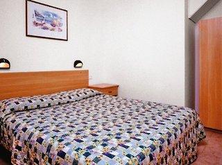 ferienwohnungen im village bella italia in peschiera am. Black Bedroom Furniture Sets. Home Design Ideas
